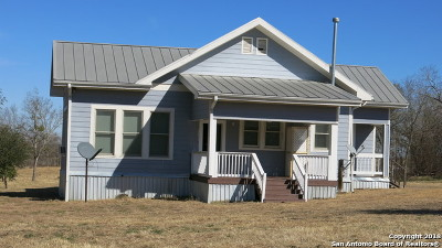 Guadalupe County Single Family Home For Sale: 380 York Crossing