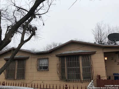 Single Family Home For Sale: 222 Aaron St