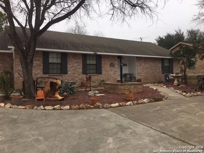 Atascosa County Single Family Home For Sale: 1244 Oakcrest Dr