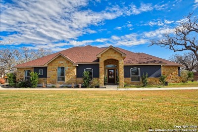 Floresville Single Family Home Price Change: 112 Abrego Knol Dr