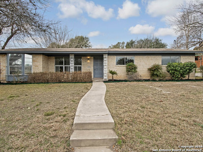 Single Family Home For Sale: 2311 Hillcrest Dr