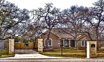 Spring Branch Single Family Home New: 1144 Cypress Pass Rd