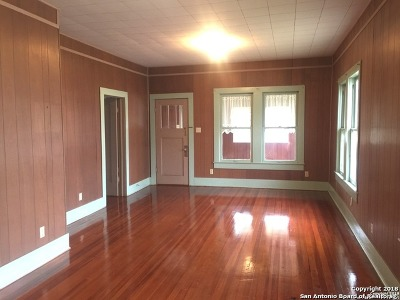 Wilson County Single Family Home For Sale: 209 W Main St