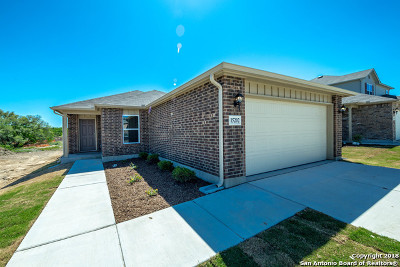 Single Family Home For Sale: 15202 Pandion Dr