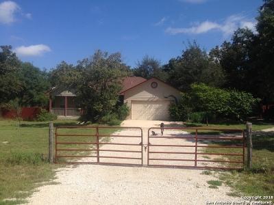Atascosa County Single Family Home New: 164 Greystone