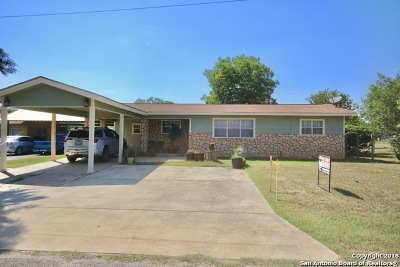 Floresville Single Family Home For Sale: 1505 B St