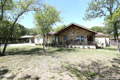 La Vernia Single Family Home For Sale: 1040 County Road 319