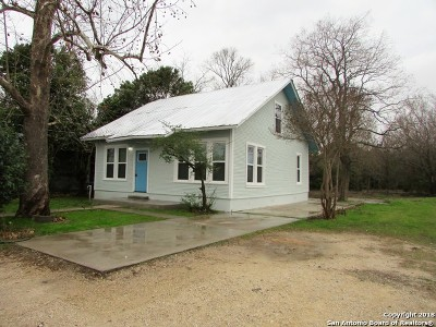 Guadalupe County Single Family Home New: 1022 E Pine St