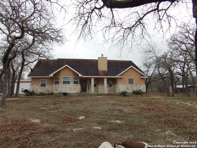 Floresville Single Family Home New: 840 Paddy Rd