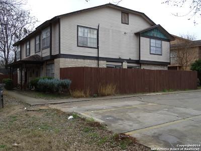 San Antonio Multi Family Home New: 5221 Meadow Field