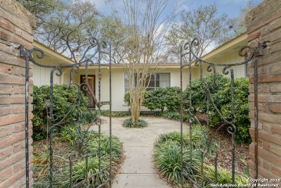 Universal City Single Family Home For Sale: 134 Rhonda Dr