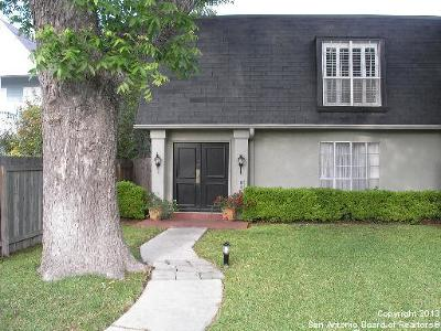 San Antonio Condo/Townhouse New: 7854 Broadway St #802B