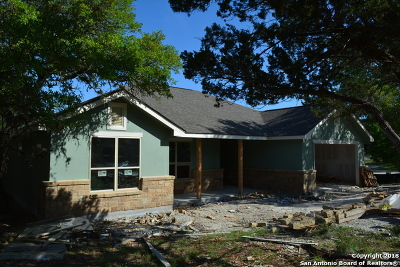 Canyon Lake Single Family Home For Sale: 188 Whitell Bay
