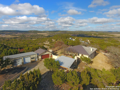 Boerne Single Family Home For Sale: 217 Sparkling Springs Dr