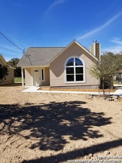Canyon Lake Single Family Home For Sale: 2135 Blueridge Dr