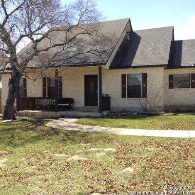 Bandera Single Family Home For Sale: 214 Settlers Ln