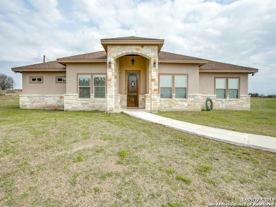 Floresville Single Family Home For Sale: 513 Lucile Ln