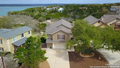 Canyon Lake Single Family Home For Sale: 605 Riviera Dr