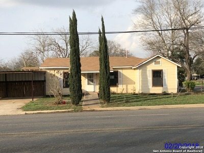 Frio County Single Family Home For Sale: 821 E Colorado St