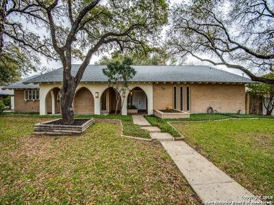 Castle Hills Single Family Home For Sale: 102 Cotillion Dr