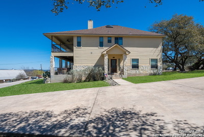Comal County Single Family Home New: 1215 Highland Terrace Dr