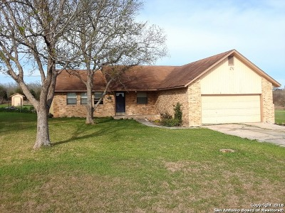 Guadalupe County Single Family Home New: 132 Baker Creek Loop