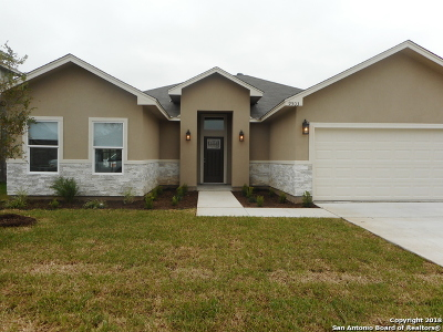 Single Family Home For Sale: 9503 Butterfly Bend