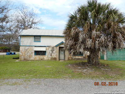 Bandera Single Family Home New: 803 Pecan St