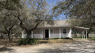 Boerne TX Single Family Home New: $215,000