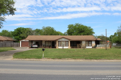 Atascosa County Single Family Home For Sale: 1108 W Goodwin St
