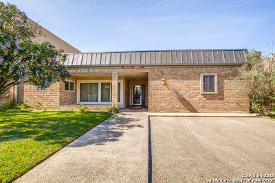 Bexar County Single Family Home For Sale: 3813 W Songbird Ln