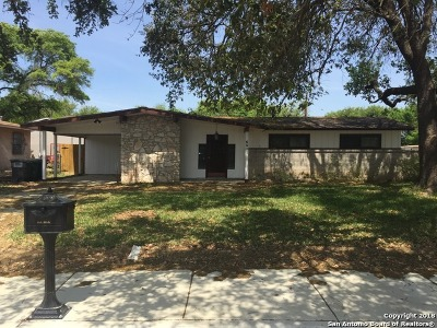 Single Family Home For Sale: 6811 Westcliff Ln