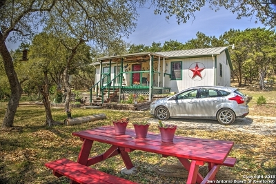 Lakehills TX Single Family Home For Sale: $219,900