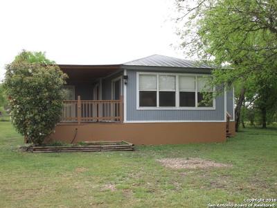 Hondo Single Family Home Back on Market: 133 County Road 4633