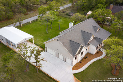 La Vernia Single Family Home For Sale: 120 Hidden Forest Dr