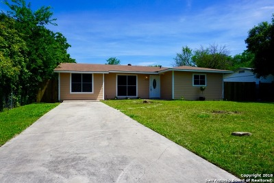 Single Family Home For Sale: 323 Barbuda St
