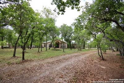 Floresville TX Single Family Home For Sale: $319,900