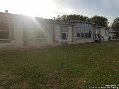 Guadalupe County Manufactured Home Back on Market: 154 Haeckerville Rd