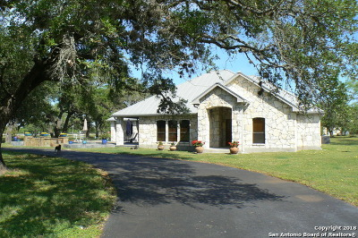 Wilson County Single Family Home For Sale: 101 Sendera Crossing
