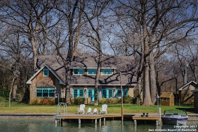 Guadalupe County Single Family Home For Sale: 710 Shadylon Ln