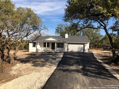 Canyon Lake Single Family Home For Sale: 142 Native Pecan