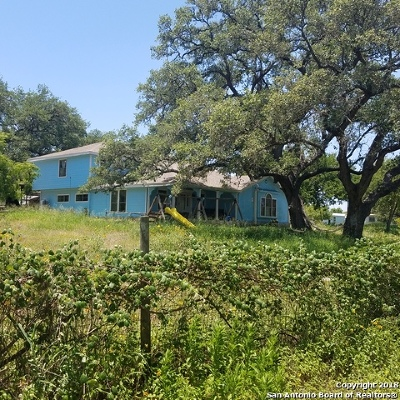 Atascosa County Single Family Home For Sale: 314 & 324 Rooster