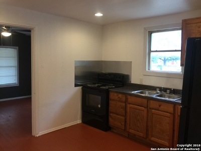 Pleasanton Single Family Home For Sale: 923 Bowen St