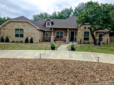 La Vernia Single Family Home For Sale: 136 Copper Creek Dr