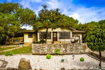 Canyon Lake Single Family Home For Sale: 343 Lake Forest