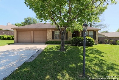 Schertz Single Family Home For Sale: 3744 Hunters Glen