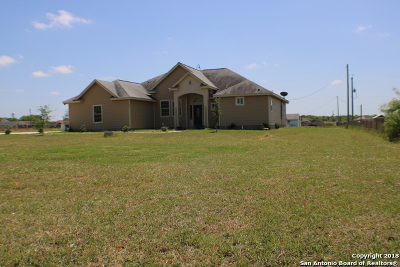 Atascosa County Single Family Home For Sale: 3820 Fm 3175