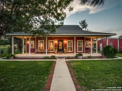 Atascosa County Single Family Home For Sale: 1754 W Goodwin St