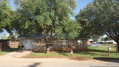 Frio County Single Family Home Price Change: 209 Wayala St