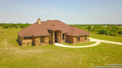 La Vernia Single Family Home New: 108 Oak Hollow Dr